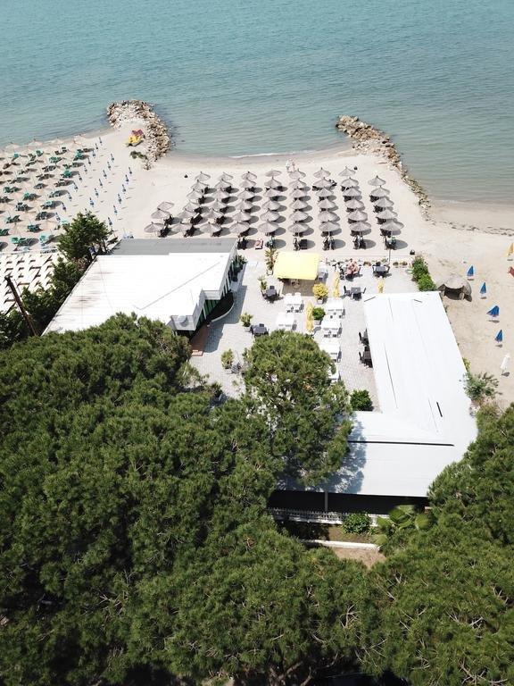 Monaco Hotel (golem)