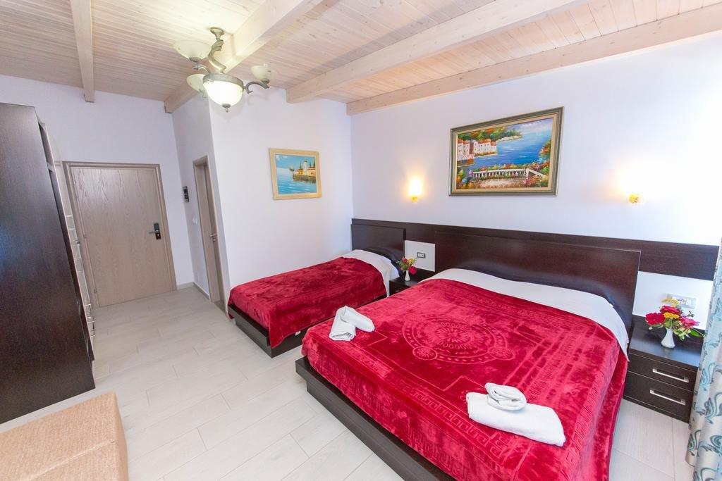 Hotel Bahamas (sarande)