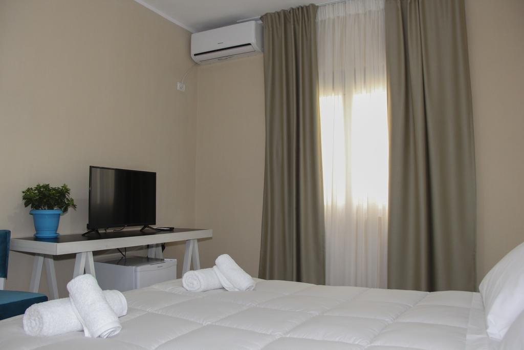 Sunrise Hotel (sarande)