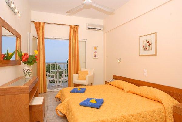 Ipsos Beach Hotel (c)