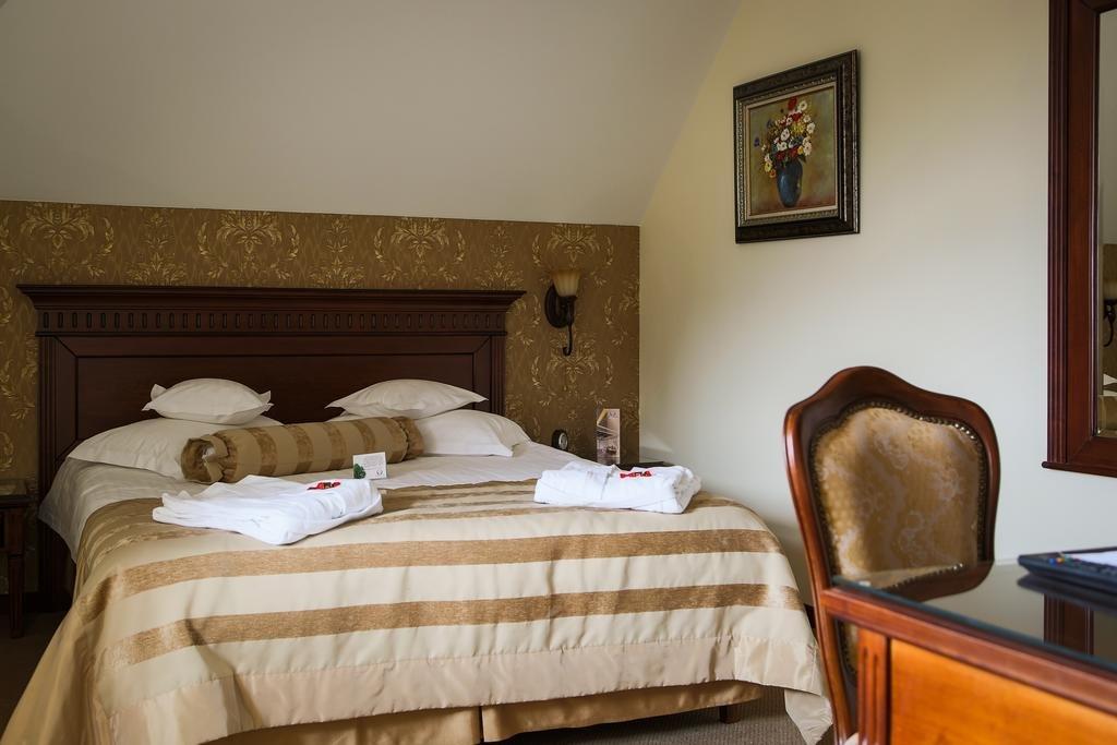 Hotel Foisorul Cu Flori