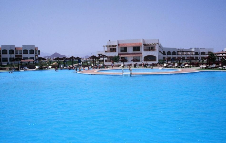 Coral Beach Resort Montazah