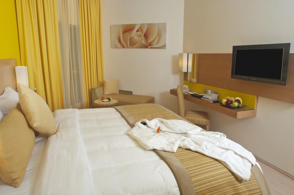 Al Khoory Executive Hotel Al Bada