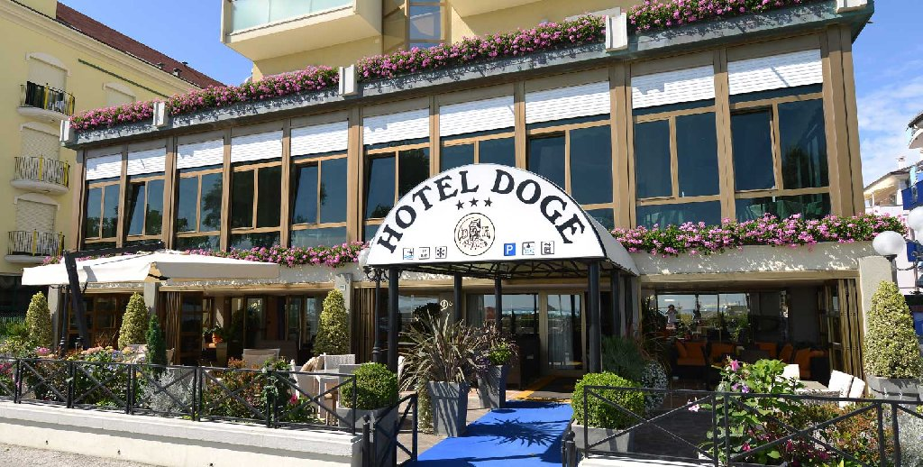 Hotel Doge ( Torre Pedrera )