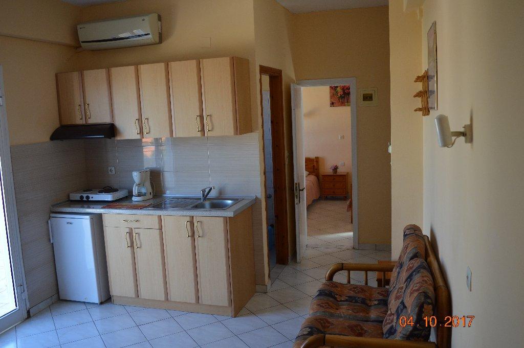 VIRGINIA apartments - studios (Anaxos)