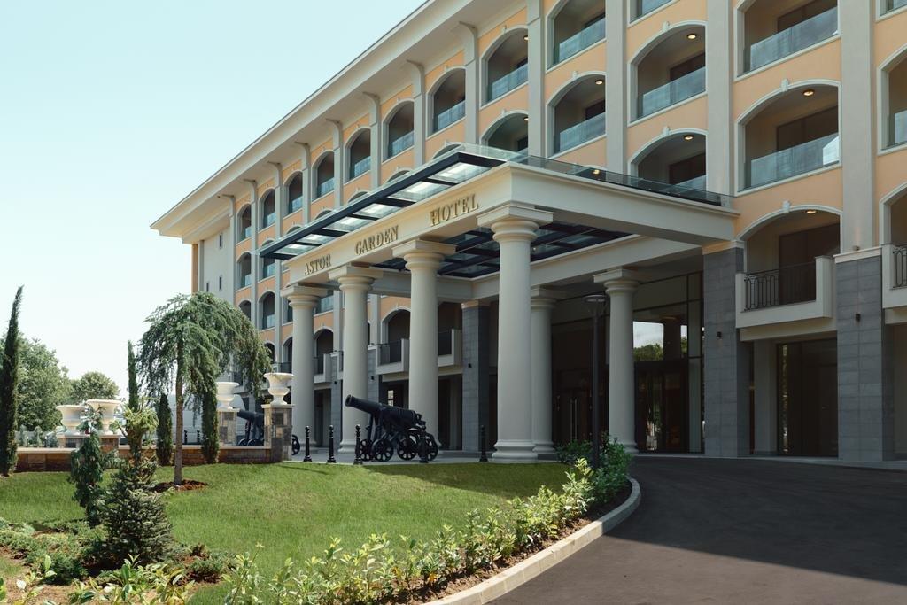 Astor Garden Hotel