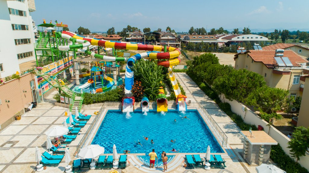 Crystal Waterworld Park Resort And Spa