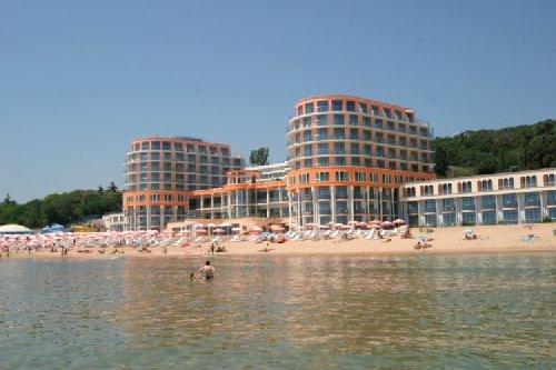 Azalia Hotel